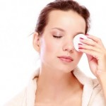 اصول پاک کردن آرایش چشم