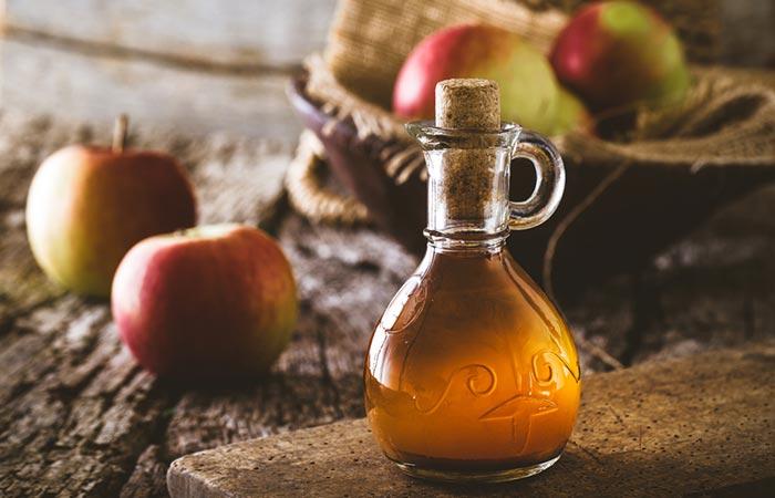 درمان چربی مو با سرکه سیب