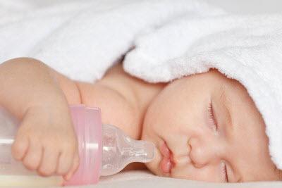 65 به نوزادان آب قند ندهید