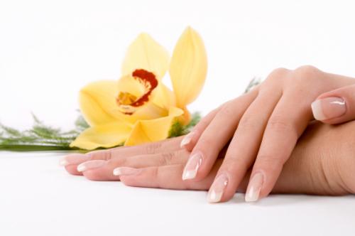 healthy beautiful nails هفت گام برای داشتن ناخنهای شفاف