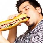 اگر از غذا خوردن در جمع خجالت میکشید…